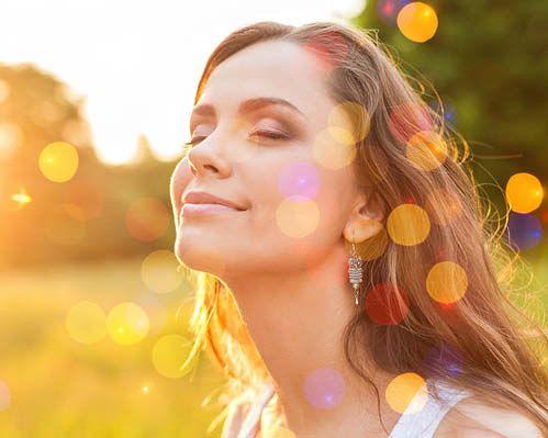 Schülerin der Achtsamkeitstrainer Ausbildung erlernte Meditation und fühlt Weiterentwicklung